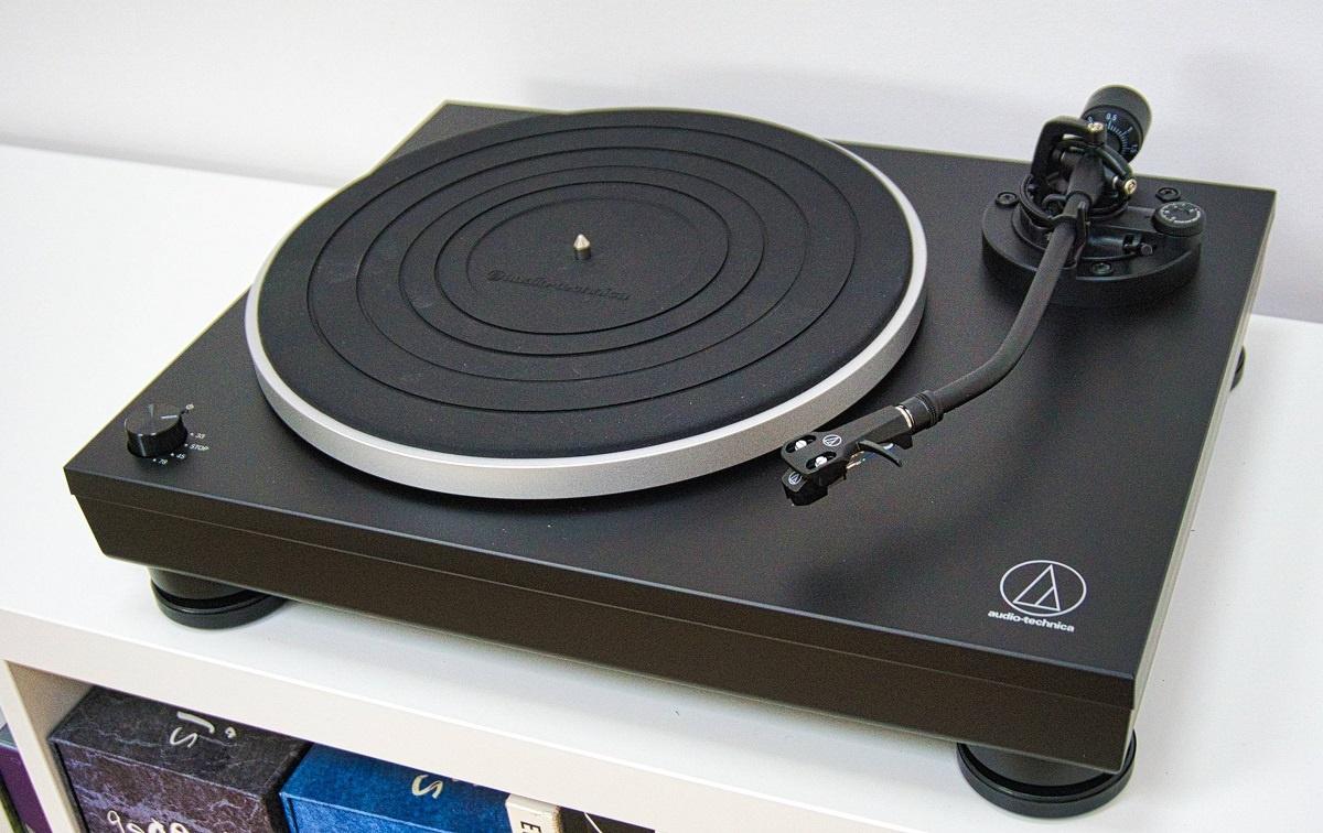 dau dia than Audio Technica AT-LP5x