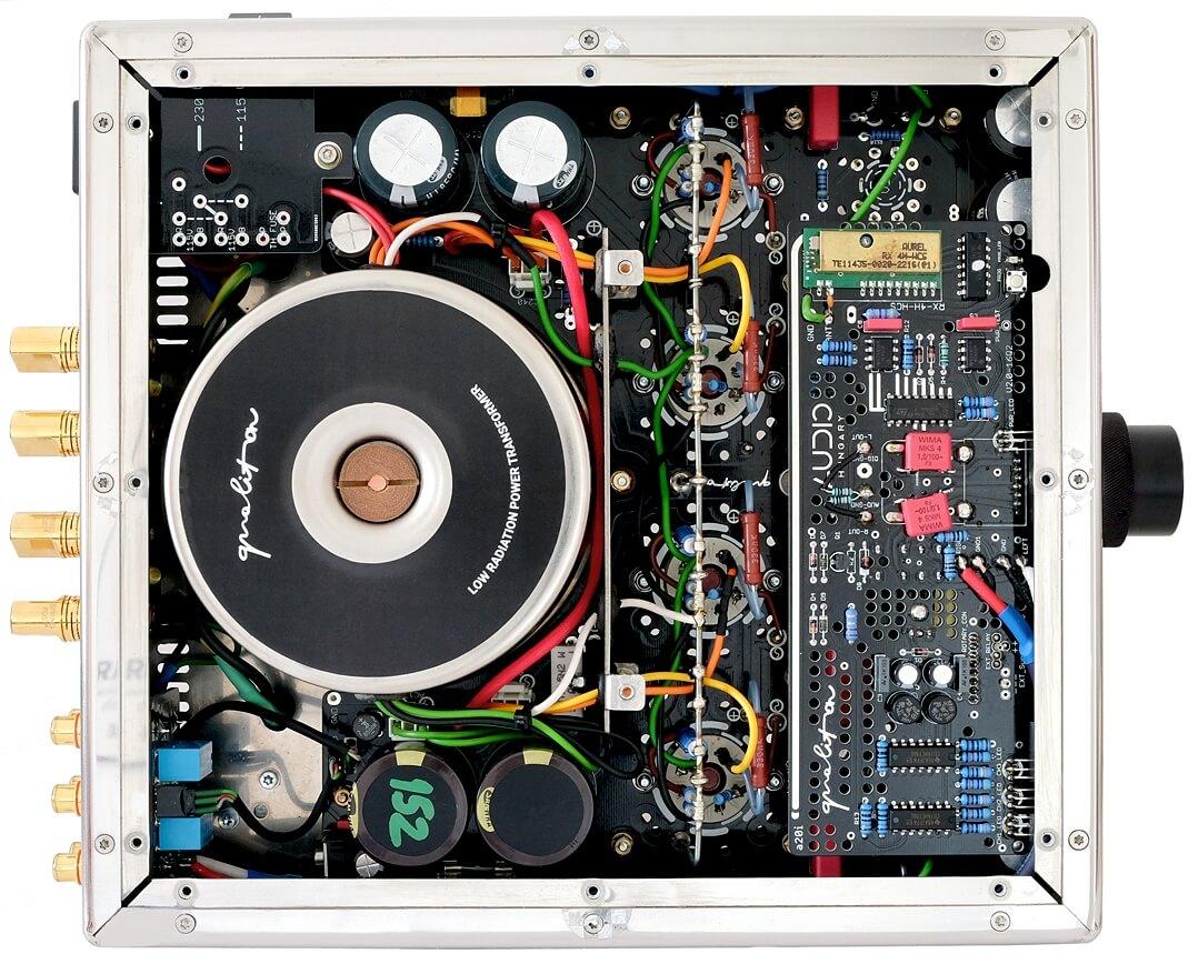 ampli Audio Hungary Qualiton A20i trong