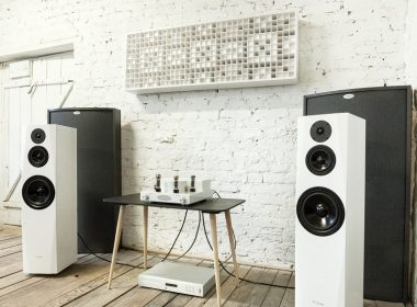 loa Pylon Audio Sapphire 31 dep